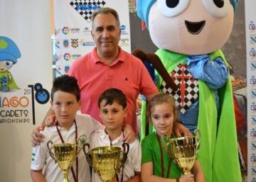 Julen Ibañez Macías y Laura Herrero Peña Campeones de España Sub 8.